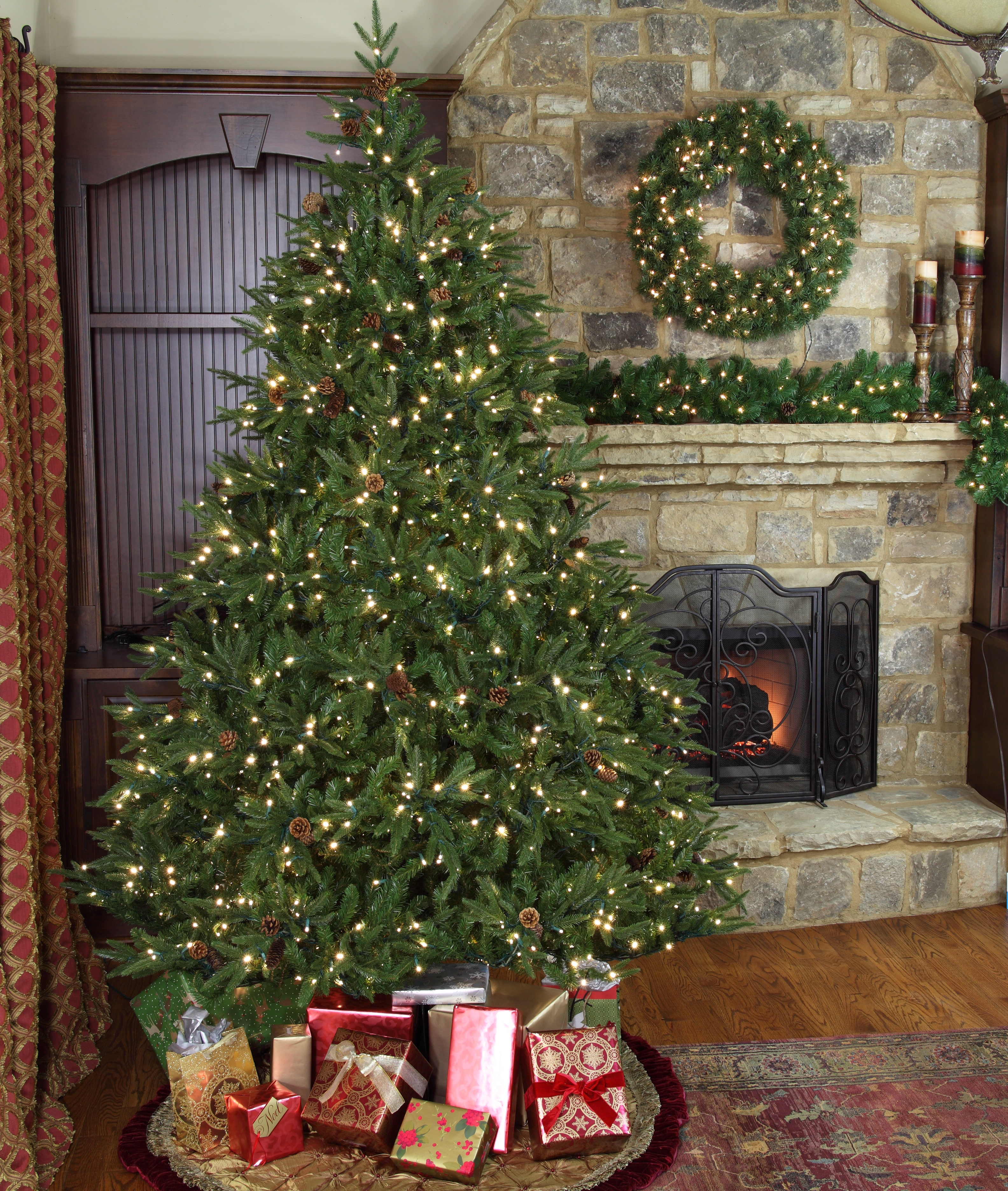 Colorado Pine Prelit Artificial Christmas Tree