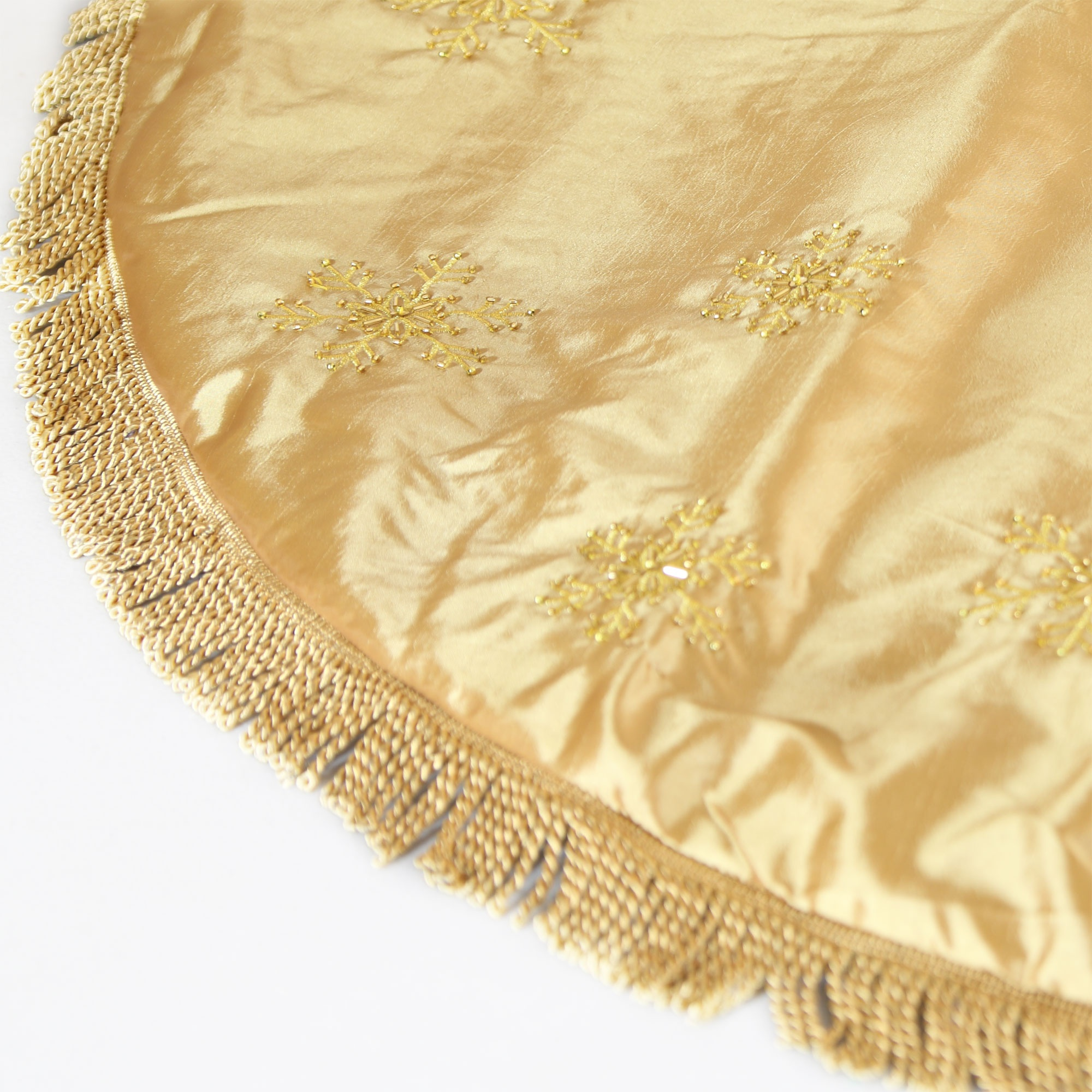 Tree skirts quot gold skirt with tassels