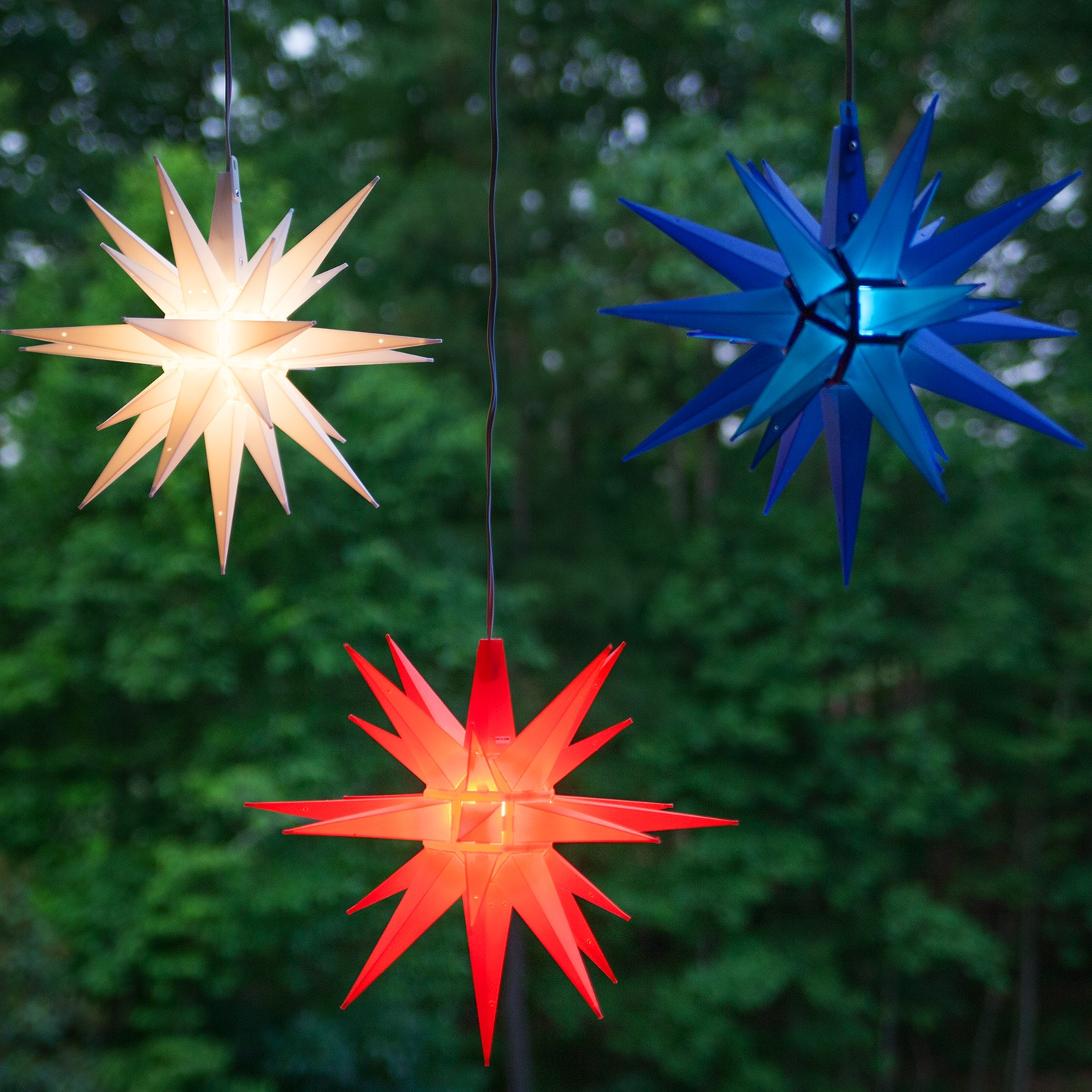 Moravian stars 14 red moravian star for Christmas star outdoor lights decorations