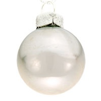 Christmas ball pearl finish
