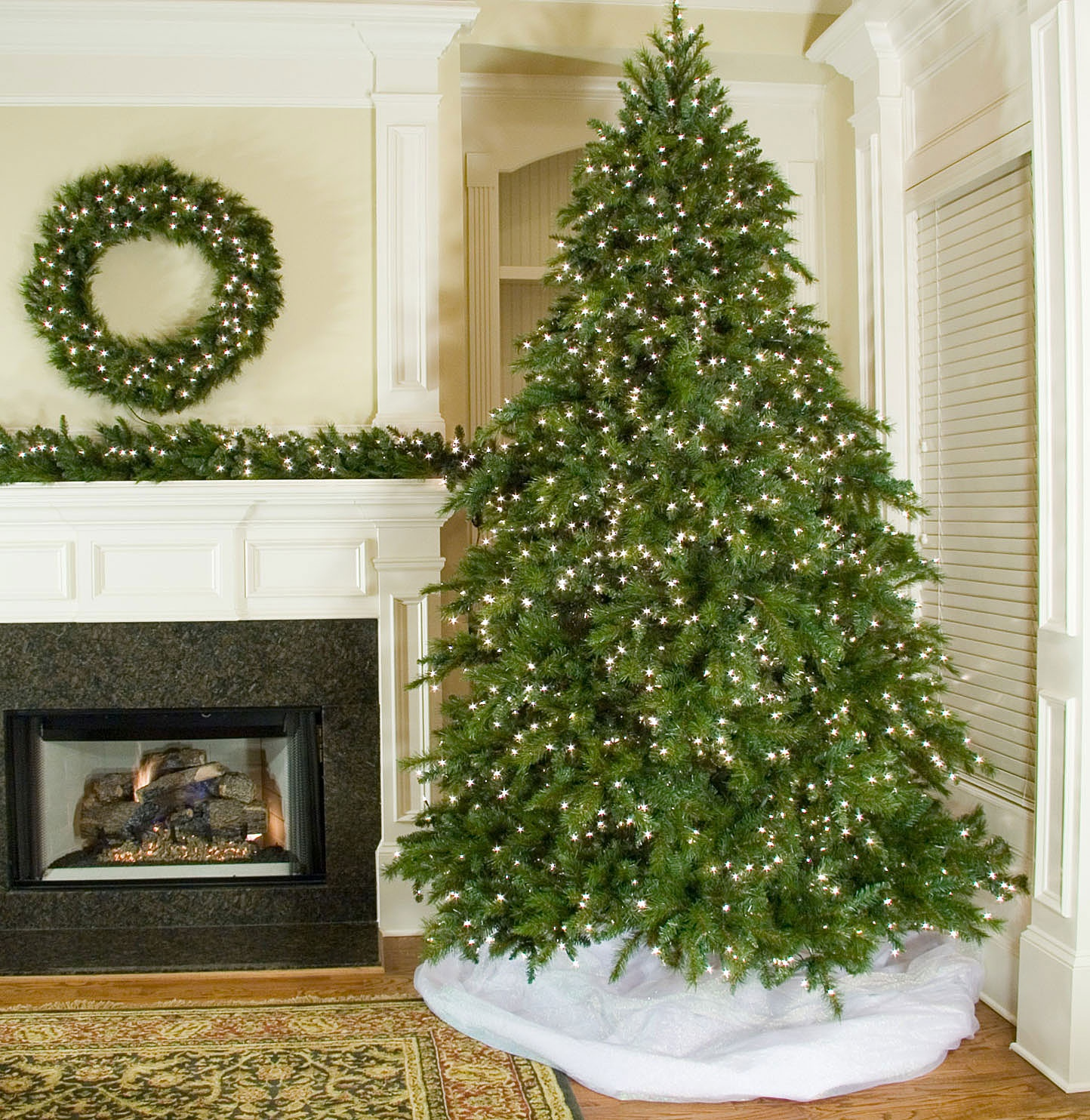 9.5' Full Pre-Lit Brighton Fir Tree, 2200 Clear Lamps