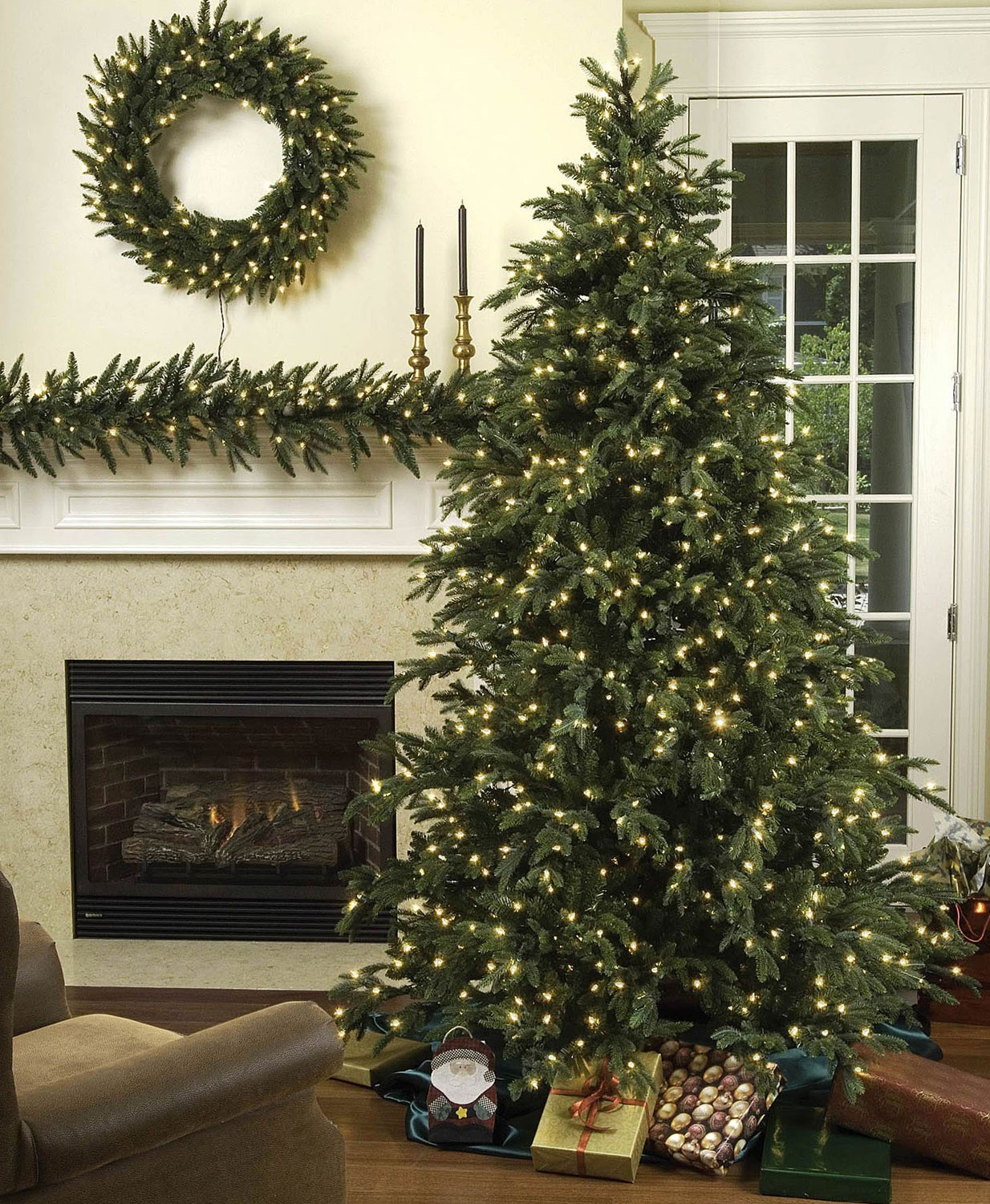 9' Full Carolina Fir Tree, 1300 Multicolored Lamps