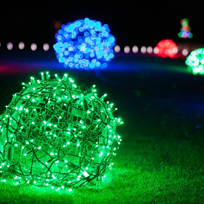 Outdoor christmas decorating ideas for Decorating backyard with lights