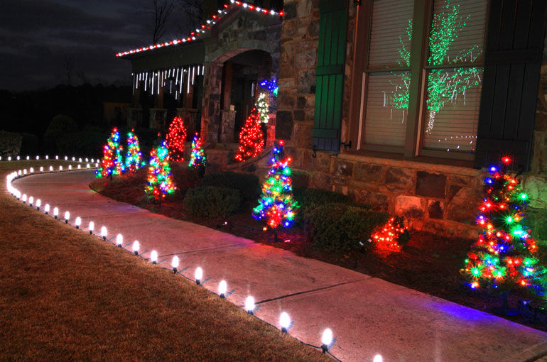 outdoor christmas yard decoration ideas ForSidewalk Christmas Lights
